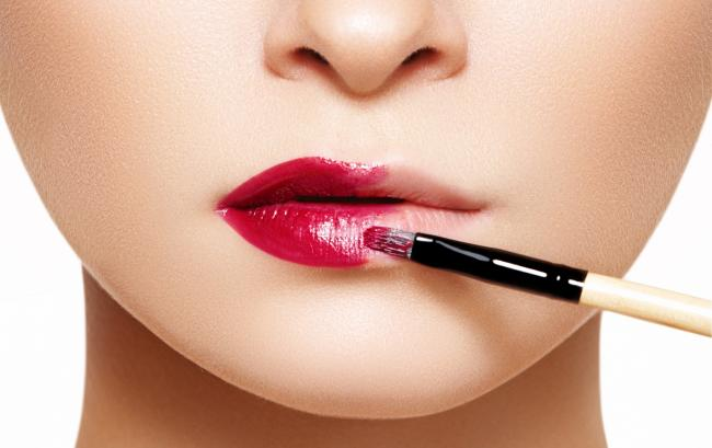 Will help to make the lips bright