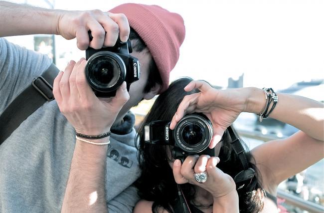 теряем больше фотографий, чем снимаем