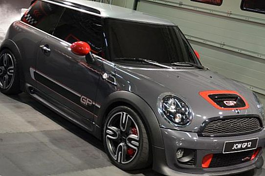 Mini John Cooper Works GP: 218 лошадиных сил
