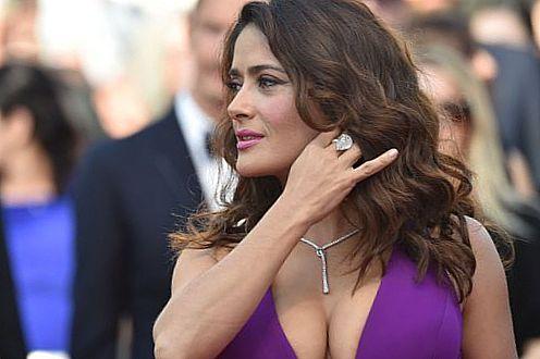сальма большая красивая грудь: